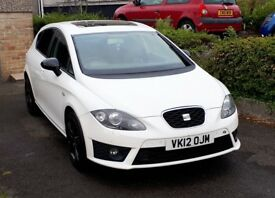 Seat Leon FR+ 170 2012 in Candy White. Ex demo with all optional extras inc heated leather seats.