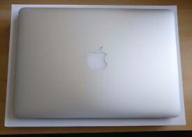 "MacBook Pro 13"" Retina 2015 w/case"
