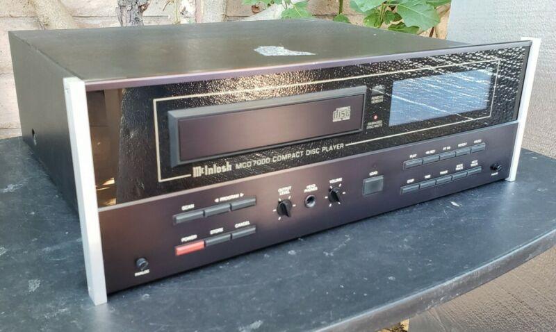 McIntosh MCD-7000 Stereo CD Compact Disc Player Works!