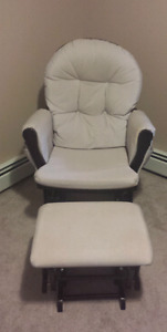 Graco nursing Rocking chair only for 120$