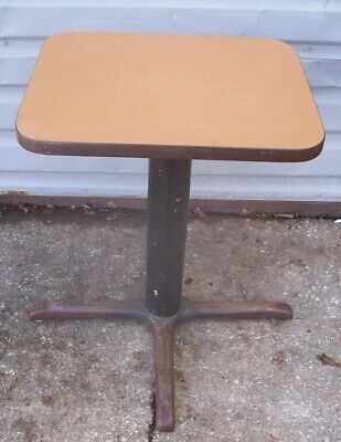Restaurant Equipment 23.5 X 19 Table With Base 29 Tall