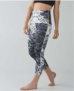LULULEMON Wunder Under Pant Special Edition Angel Wing size 8