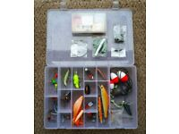 Spinners, plugs & spoons for Pike, Perch or Sea Fishing - Tackle Box included