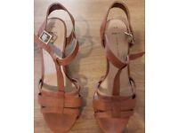 Size 6 brown new look sandals!