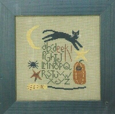 EEK--Halloween Sampler--ABC's--Bent Creek--Cat--Counted Cross Stitch Pattern (Halloween Abc)