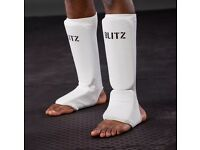 BLITZ slip on shin guards Size XS