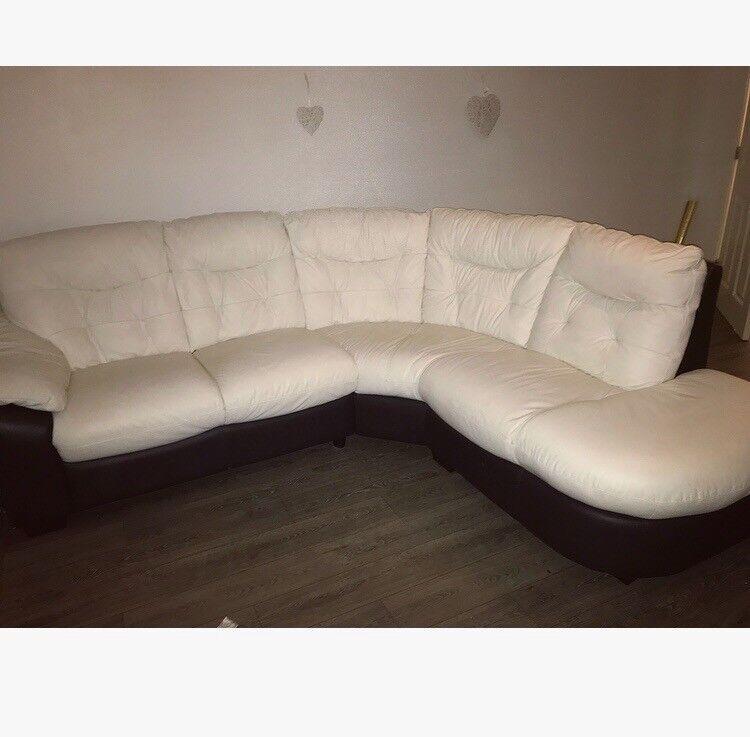 Beautiful dfs leathe corner sofa