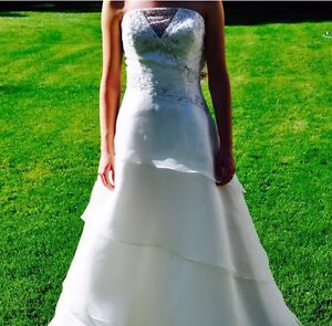 Beautiful Wedding Gown- New w Tags $150!!