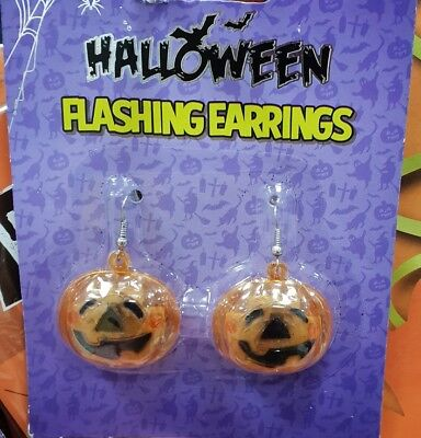 HALLOWEEN GIRLS DRESS UP 1 PAIR LIGHT UP FLASHING PUMPKIN EARRINGS EAR RINGS NEW