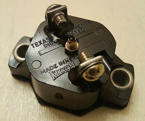 9M9085 Circuit breaker klixon/caterpillar CDA-15 15 amp auto reset lot of (1)
