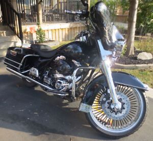 FOR SALE:  2001 HARLEY DAVIDSON ELECTRA GLIDE CLASSIC