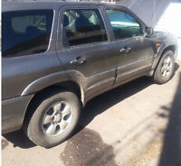 Mazda Tribute 4x4 - Fully Loaded, Great for Winter