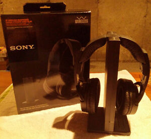 Sony 985RK Wireless Headphones