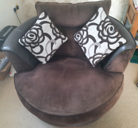 Pair of CSL Sofology brown swivel cuddle sofa/arm chairs