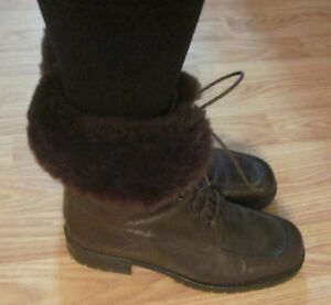 Ladies Arnold Churgin leather winter boots size 10 EUC