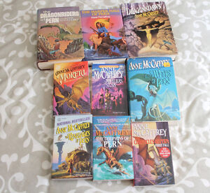 Dragonriders of Pern book livres collection-9 livres/books