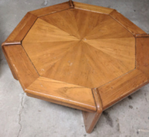 Octagon coffe table