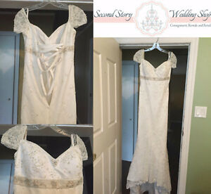 Beautiful Vintage Lace Current Style Wedding Dress Peterborough Peterborough Area image 1