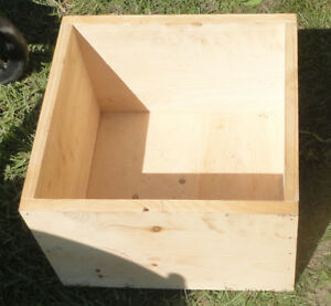 solid unpainted wood box 14 x 13 1/2 x 9 in deep x 1/2 in thick