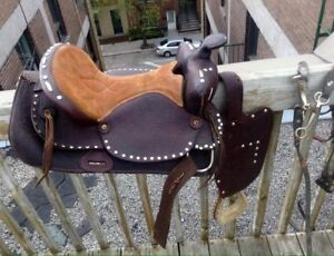 """*Western Saddle 15"""" real leather never used *"""