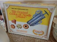 Cookie & noodle maker / shaper