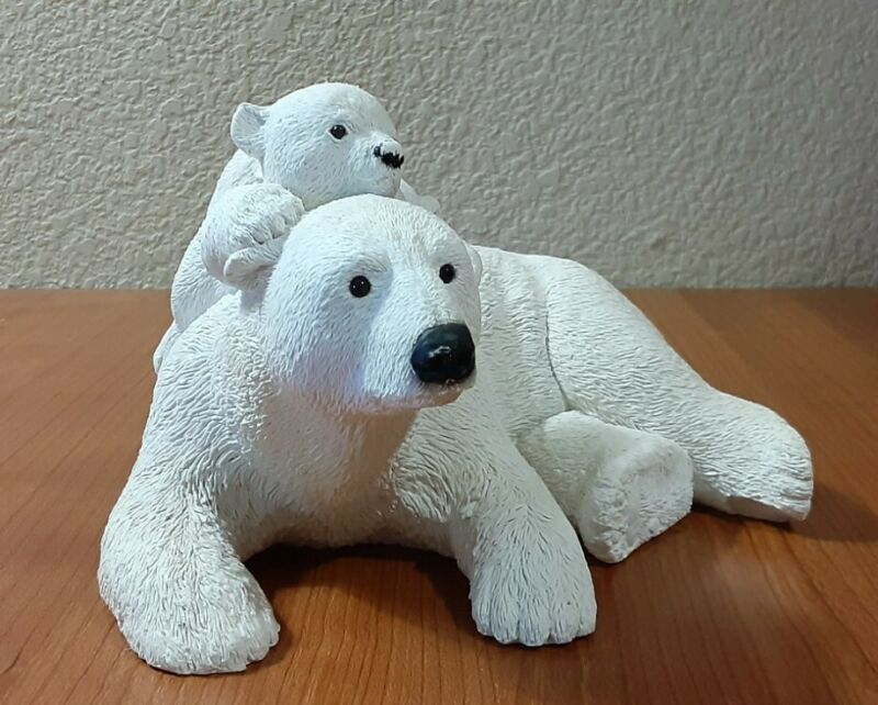 Vintage polar bear figurine mom & baby sandcast  HUFF & PUFF MARTY SCULPTURE INC