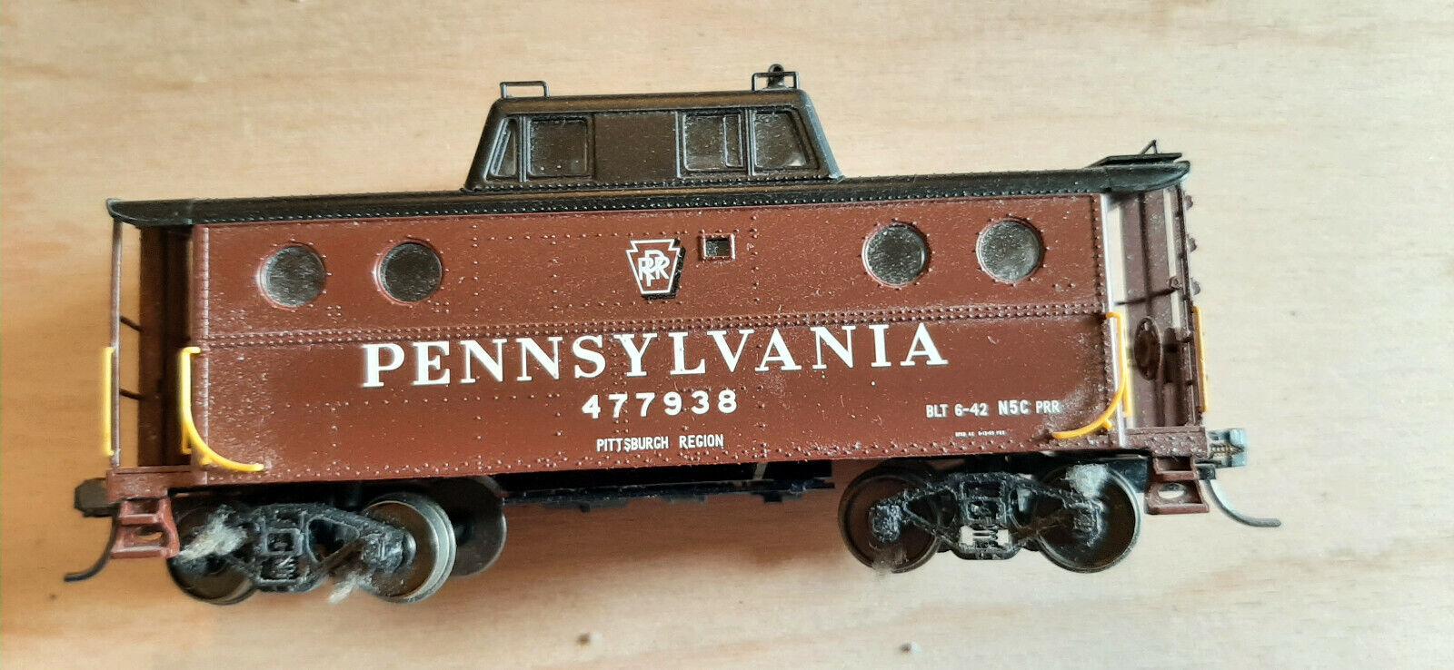 H0 US Pennsylvania N-5c Caboose #477938