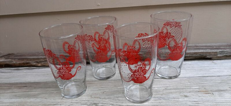 Vintage Glass  Tumblers With Red Strawberry &  Mouse Set Of 4