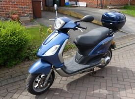 Piaggio Fly 125 cc Scooter Moped