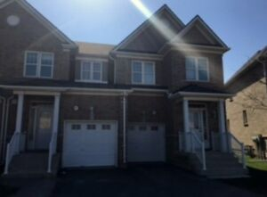 Beautiful 3 Bedroom Townhouse Close to Downtown