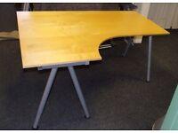 Office desk/work station 1600 x 1200