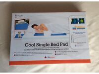 LIFEMAX Cool Bed Pad, Gel, Heat Reduction, Pets, Cooling Mattress Protector - Brand new
