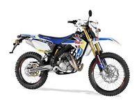 *MOTORCYCLE* 2017 PlateRieju MRT 50 SM Pro. Warranty. Free Delivery. Main Dealer.