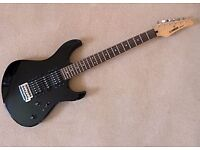 Yamaha ERG 121 - good condition, versatile sounds, easy playing guitar from a top manufacturer.