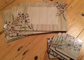 Set of 4 place mats & 4 coasters