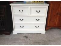 Chest of drawers in white very nice