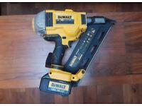 Dewalt DCN692 18V XR brushless 1st fix nail gun 3ah battery