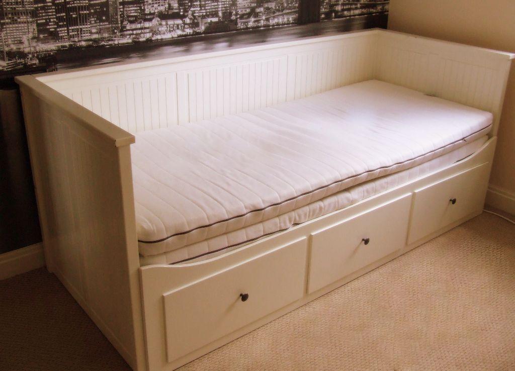 Ikea Hemnes White Wooden Day Bed Frame Amp 2 Mattresses