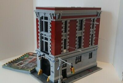 LEGO Ghostbusters Firehouse Headquarters 75827 Most Minifigures & Instructions