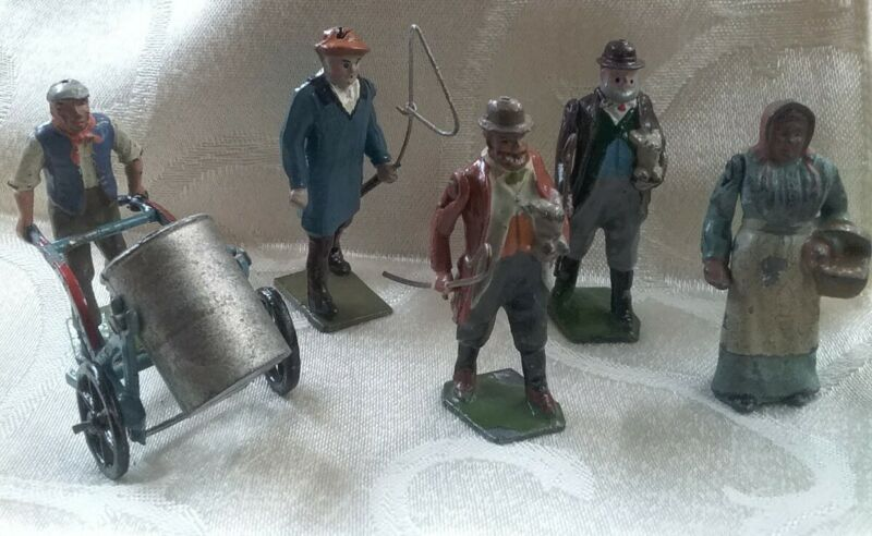 """Vintage Britain LTD Cast Iron 1.5"""" Men/Woman Figures Lot Of 5"""