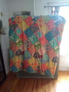 Twin sized Duvet and Reversible Duvet Cover (Down and Duck Fill