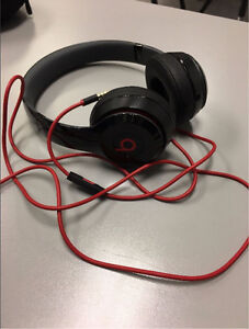 Beats Solo 2 Wired Red and Black (Late 2015)