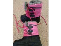 Girls snow boots size 7