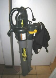 Used Electric 12 A Blower/Vac with Bag & Leaf Collection System
