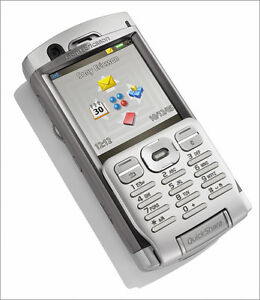 NEW UNLOCKED  SONY ERICSSON P990i SMART PHONE + FREE GIFTS
