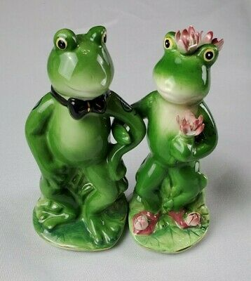 Apple Tree AppleTree Designs Frog Couple Salt & Pepper Shakers