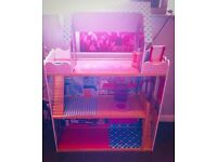 Childrens large doll house