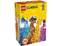 * LEGO - CLASsIc * {900 pieces}