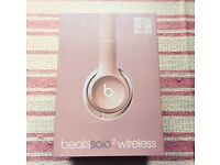 Unopened rose gold solo 2 beats dr dre
