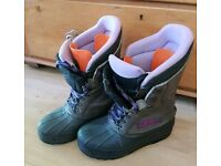 Soft Shell Snowboard Boots, Size 9